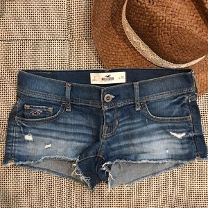 Like New • Hollister • Low Rise Jean Shorts